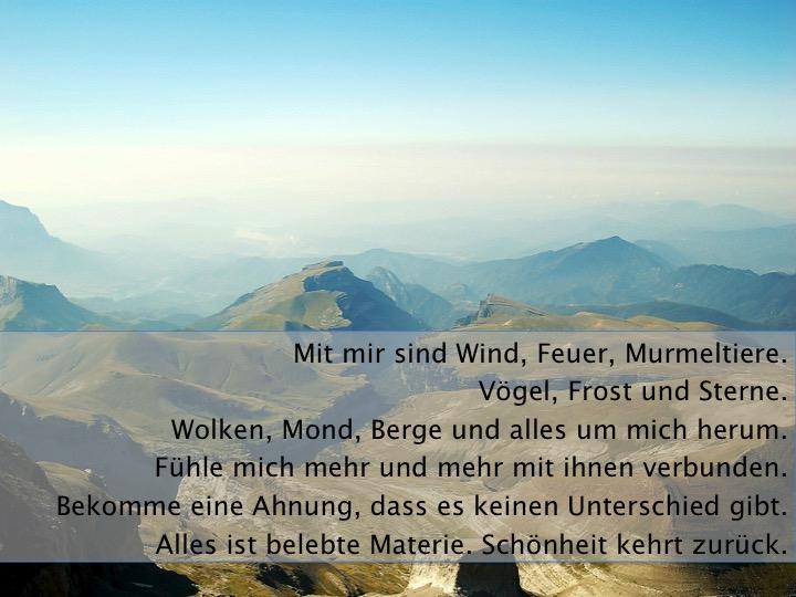 weite Sicht über Berge