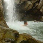 Ein Bad am Wasserfall