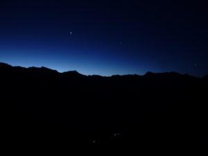 klarer Himmel in der Nacht
